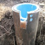 Скважина с трубой сталь и пластик